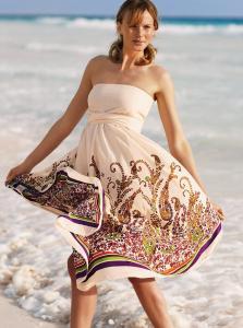 Белые купонные платье