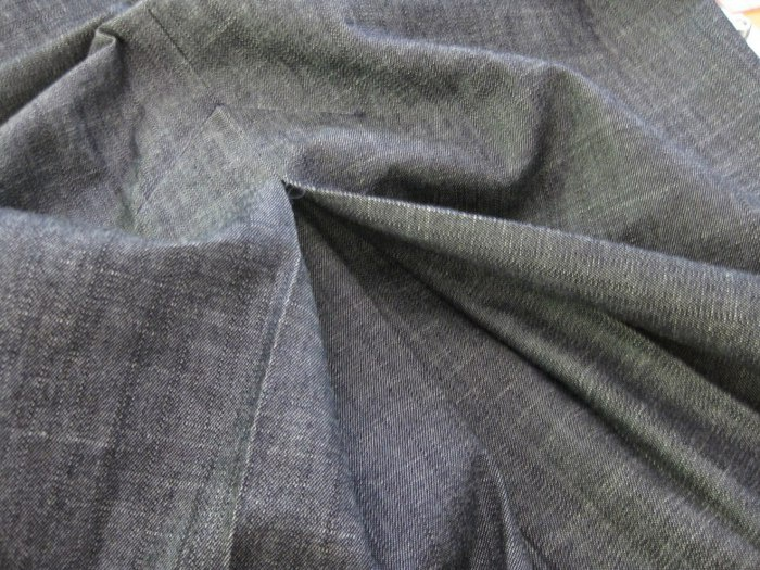 Обработка шлицы и разреза на юбке, платье, блузке.