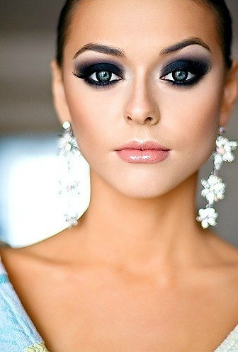 Яркий вечерний макияж фото