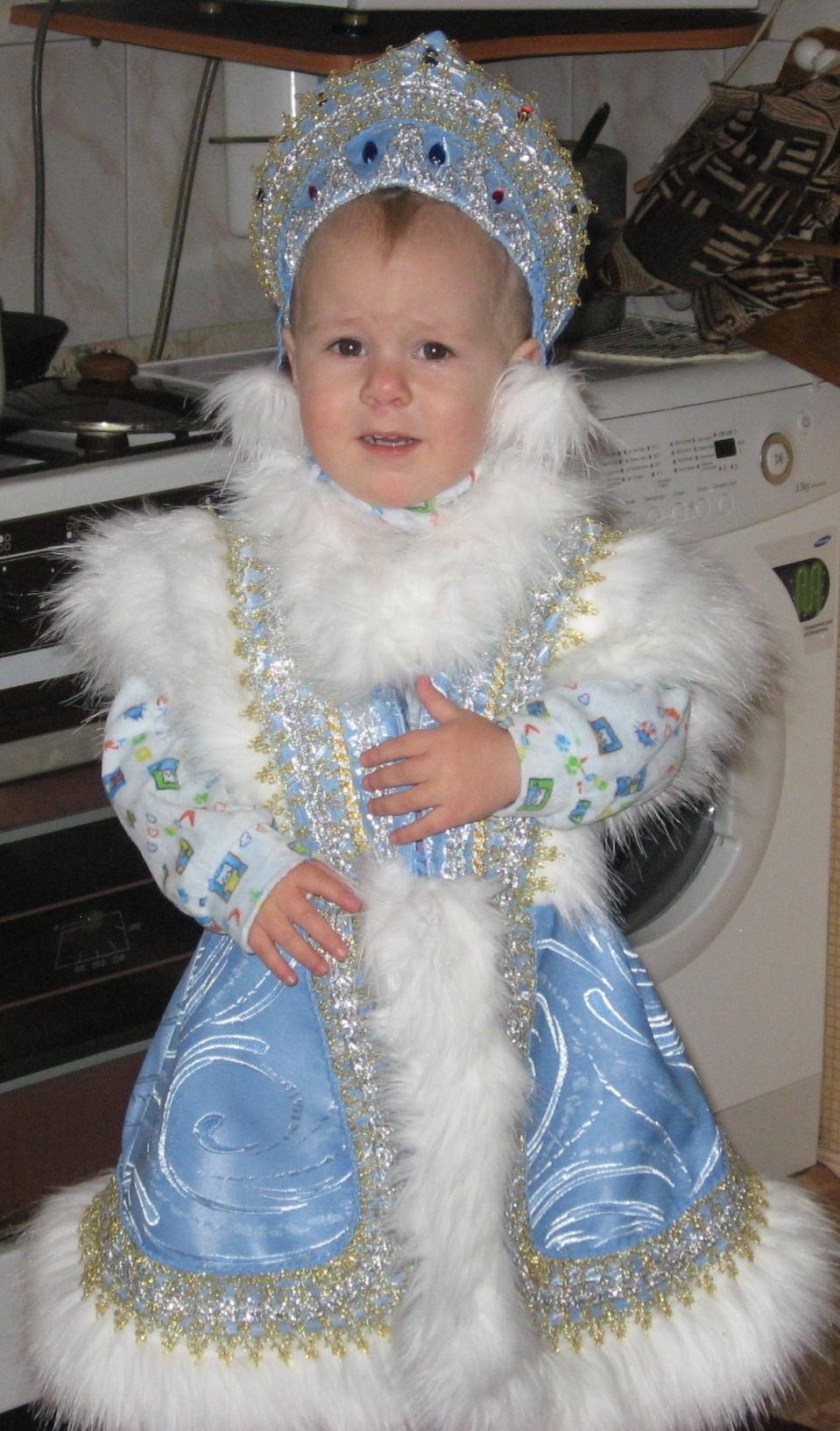 Как сшить детский костюм Снегурочки и Деда Мороза