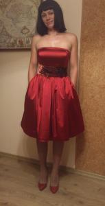 Шитье из атласа платье