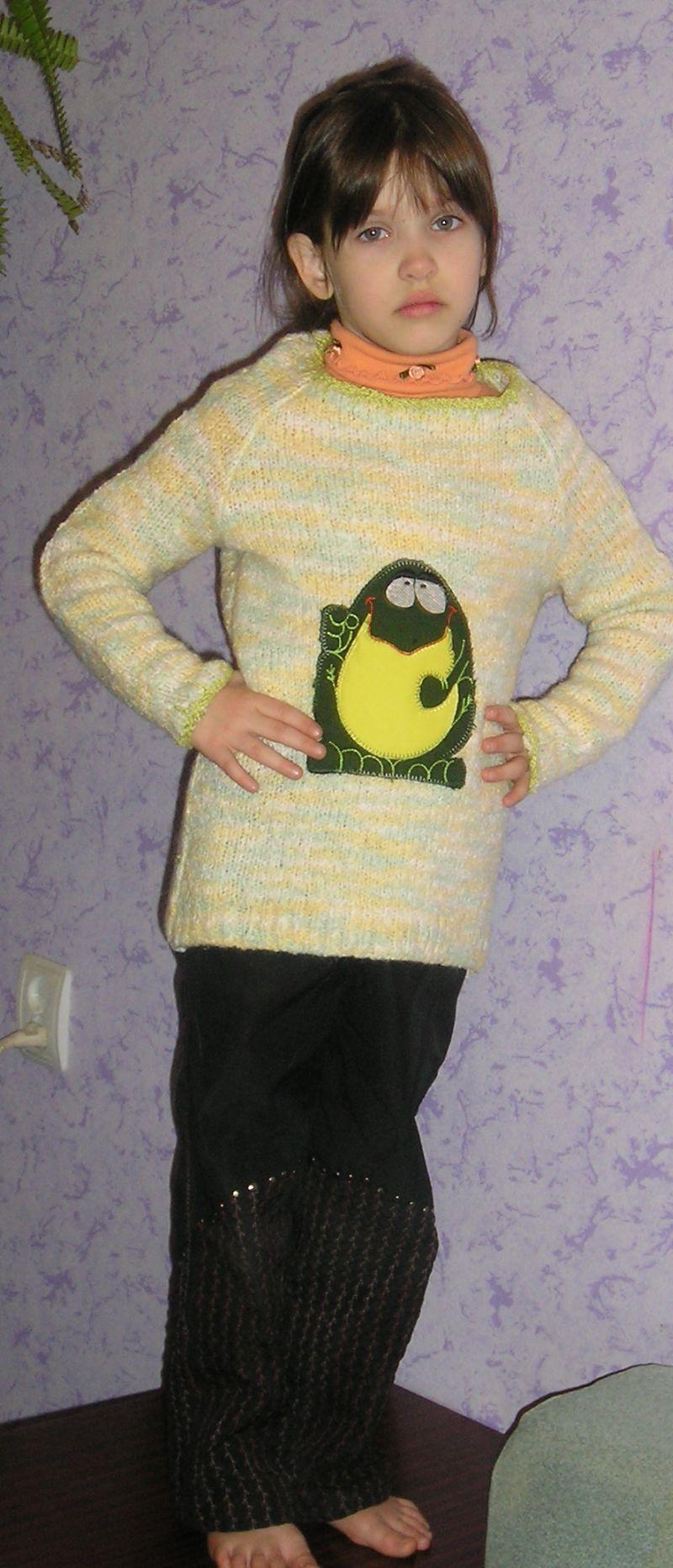Что сшить для детей из старого свитера