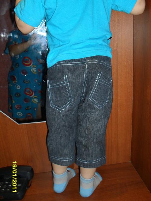 Маша нашему малышке сшила новые штанишки 93