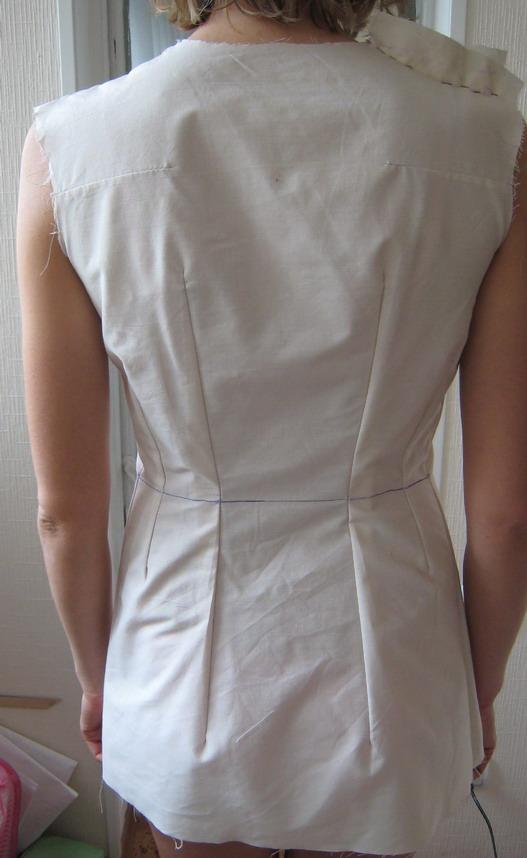 Как на платье сделать вытачки на спине платья 993