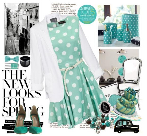 девушка в платье и перчатках