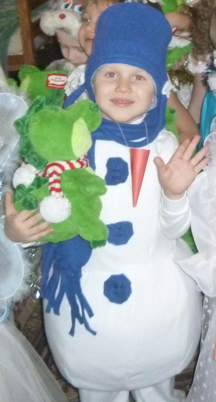 Как сшить костюм с снеговиками фото 141