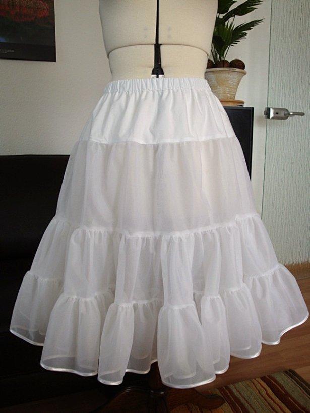 Как пришить нижнюю юбку к платью