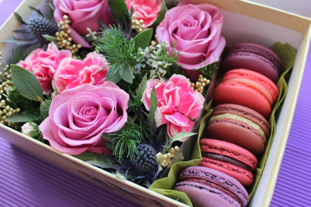 Цветы и конфеты картинки красивые букеты