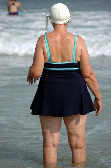 Толстые женщины на пляже фото