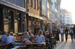 bar_street_dusseldorf.jpg