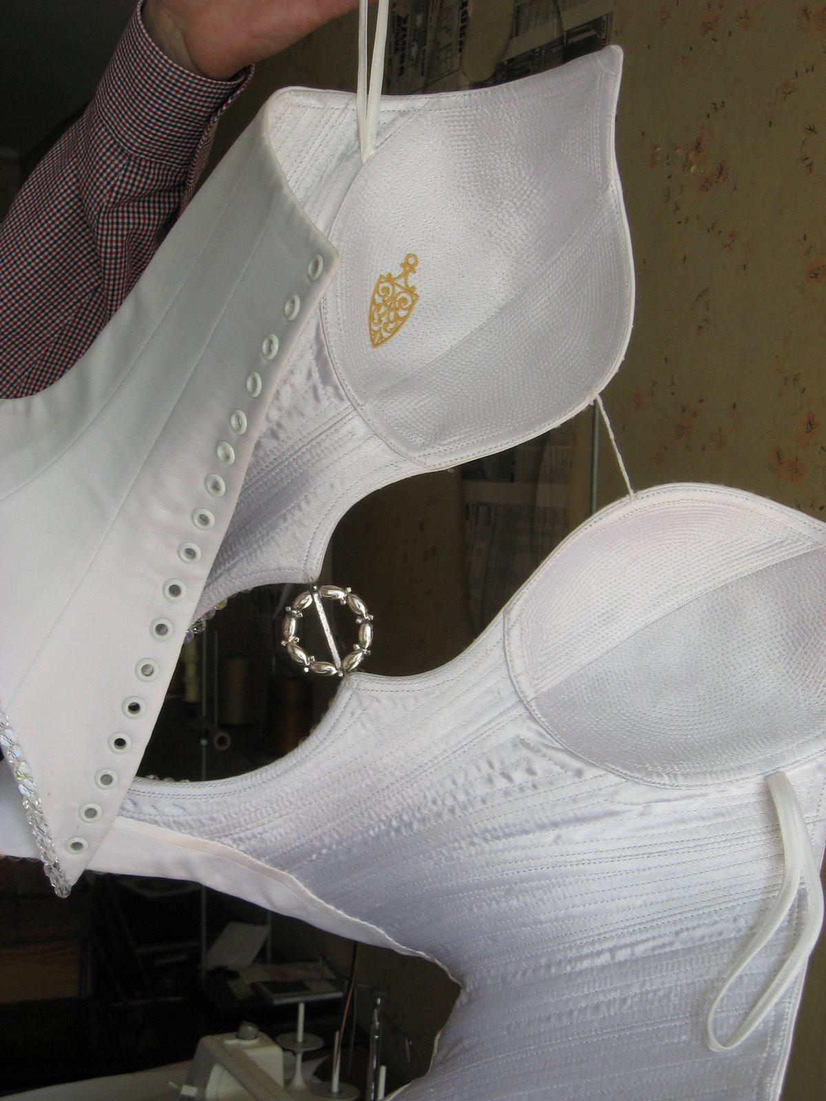 технология пошива свадебного платья с корсетом делятся своеобразные