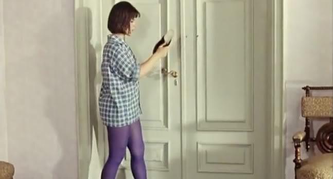 Www xvideo com - блондинка нейлон под юбкой на лестнице