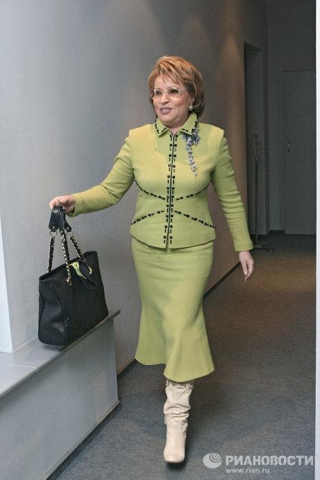 Валентина матвиенко и ее стиль одежды фото