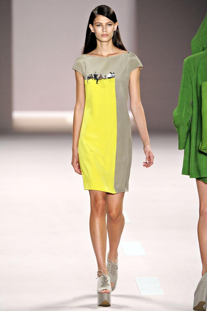 Модели прямых летних платьев
