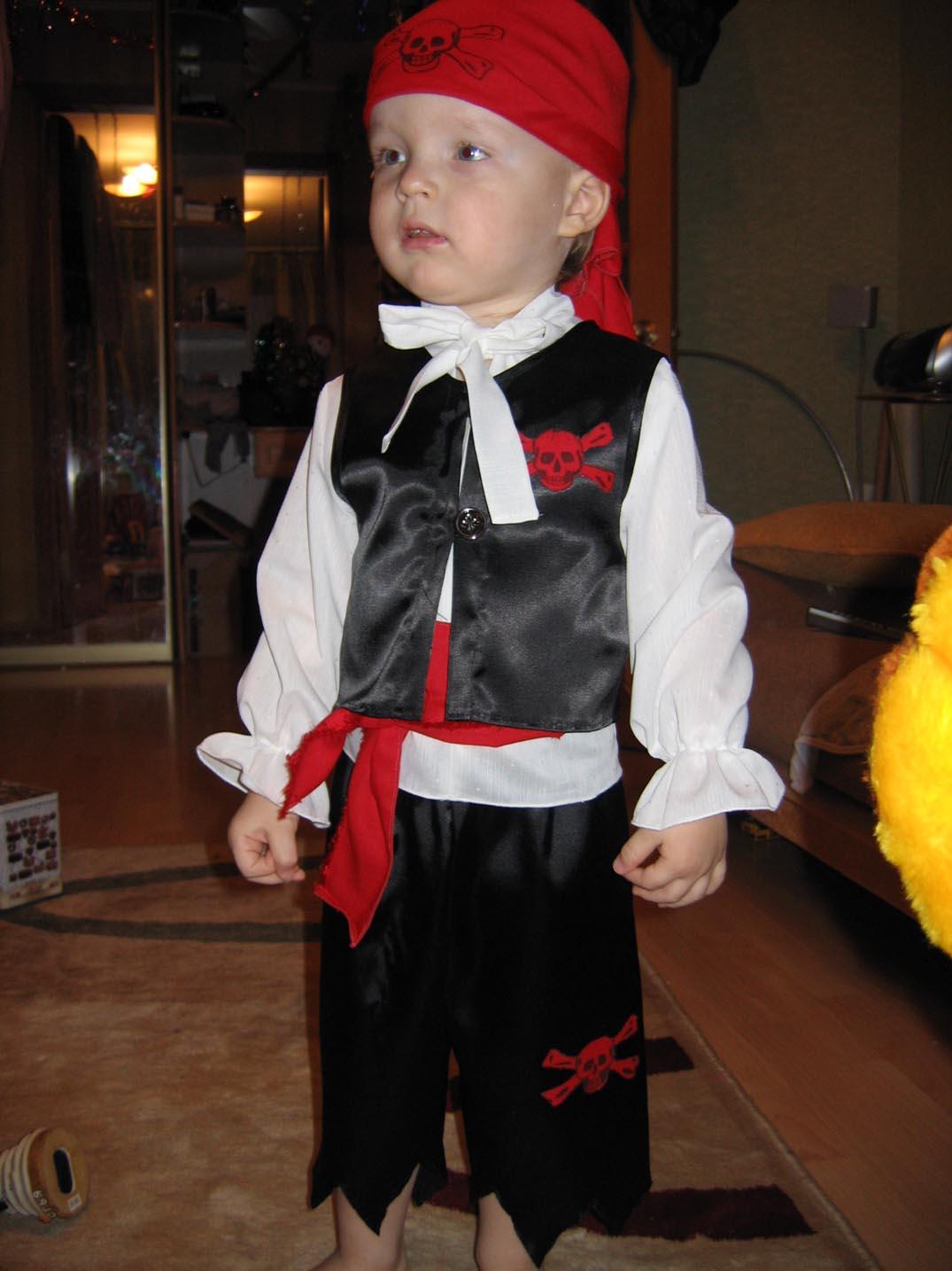Новогодний костюм для мальчика пирата своими руками фото