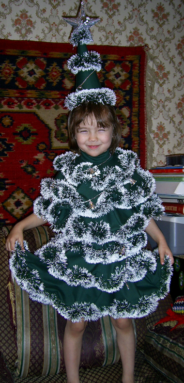 Мишура на платье