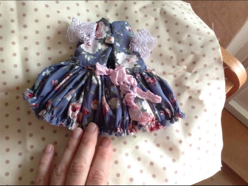 Как сшить кукле платье с оборками