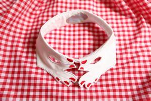 Vivetta_hand_collar.jpg