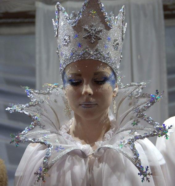 Как сделать воротник к костюму снежной королевы